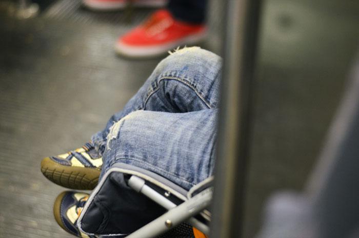mateo-feet-train