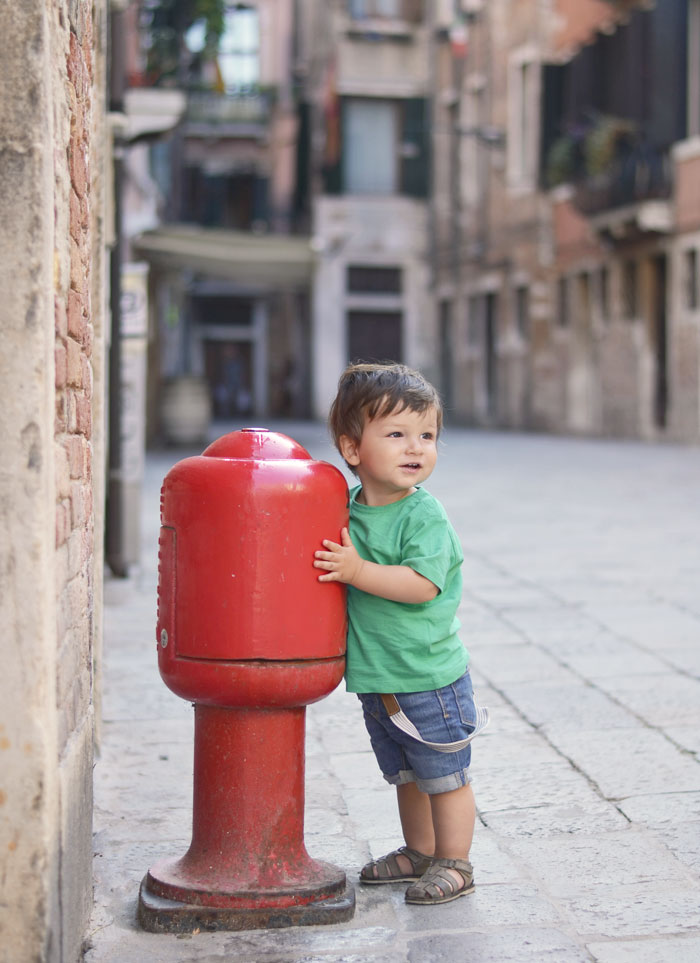 Venice, Italy with a toddler / traveling with a baby (eek, baby suspenders)